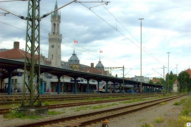 Bahnhof von hinten