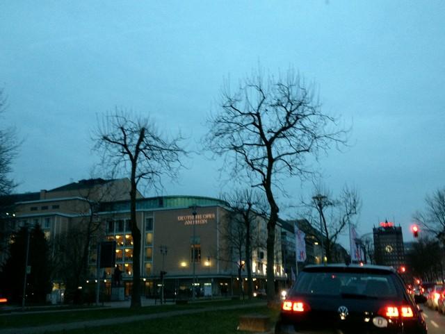 Stau vor der Oper