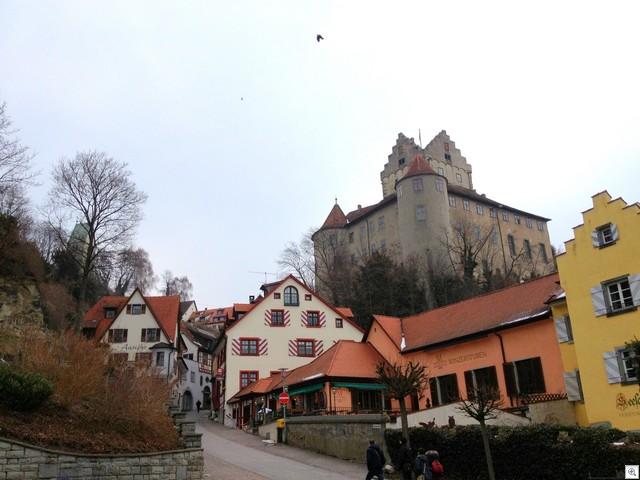 Stadt mit Burg