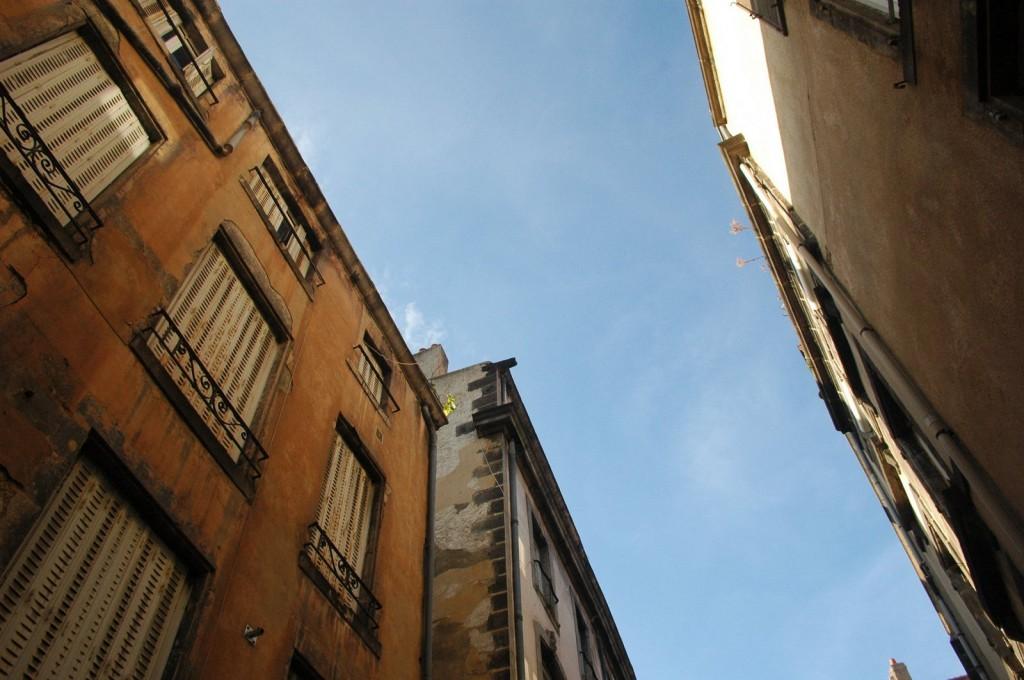 Häuser und Himmel